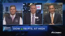 As the Dow nears session highs, financials lag behind