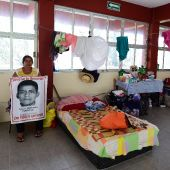 Parents of Mexico's missing students live in classrooms
