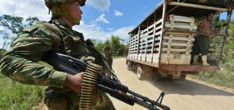 Santos orders ceasefire after Colombia seals peace deal