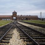 Muslim religious leaders accompany US Jewish group on Auschwitz visit