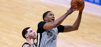 Veteran Gay signs 2-year deal with Jazz