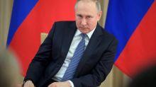"""Non, Vladimir Poutine n'a pas dit que """"les riches doivent payer"""" pour le coronavirus"""