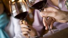 Anti-inflammatory diet including chocolate, red wine and beer can help you live longer, study claims