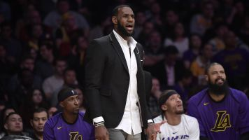 Report: LeBron would be back if it was playoffs