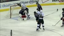 James Neal roofs one on Curtis McElhinney