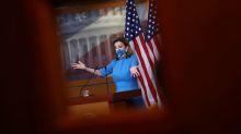 """Pelosi dice que a Biden """"le irá bien"""" en transición presidencial EEUU"""