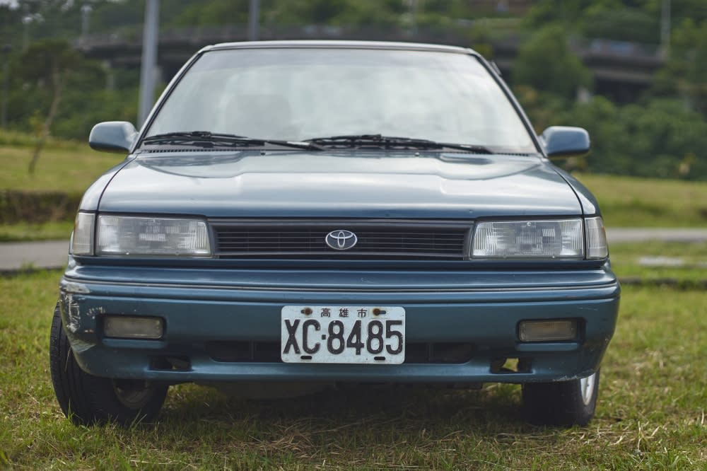 Corolla-02 美規車款前凸的保險桿附加原廠霧燈