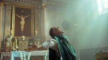 "Neu im Kino: ""Corpus Christi"": Ein Schwindler in Soutane"