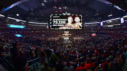 Canelo-Saunders sets boxing attendance record