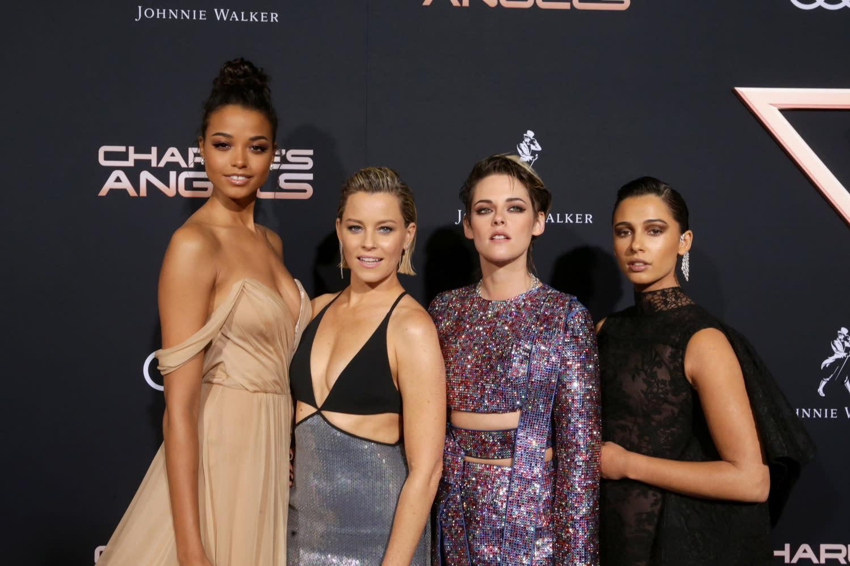 導演伊莉莎白班克斯表示:「這個主意就像是要擴大我們對原著《霹靂嬌娃》的世界觀,讓更多世界各地的粉絲都可以認識這個神秘組織。」