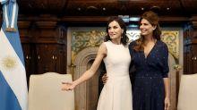 Letizia y Juliana Awada, primeros duelos de estilo en Argentina