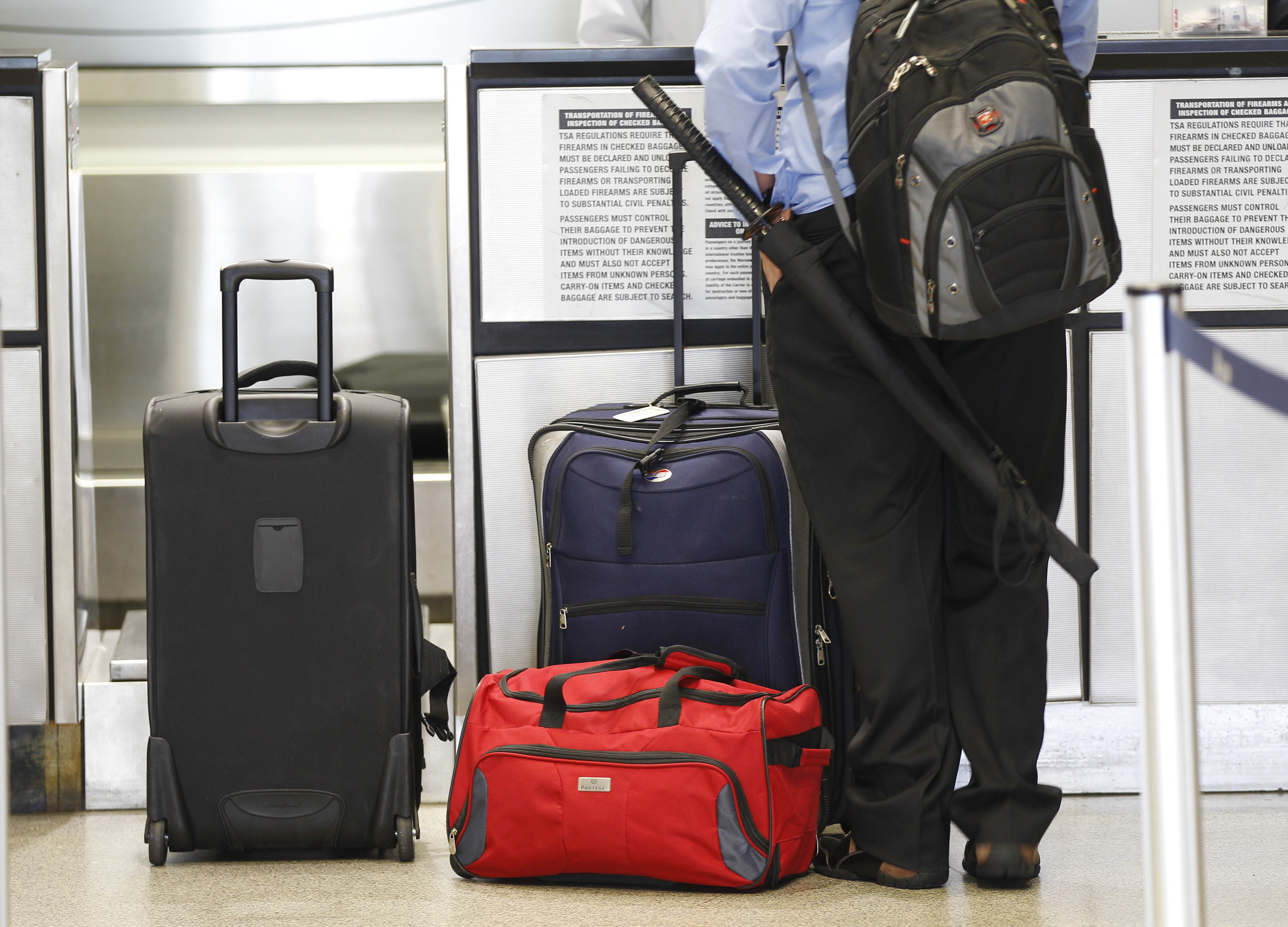 4 ways to avoid paying baggage fees