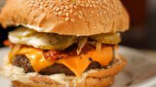 Dia Mundial do Hambúrguer: saiba como e onde pedir delivery