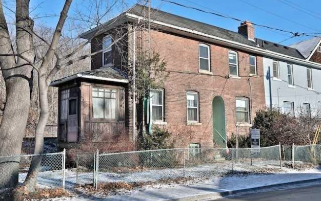 They paid what??: $805,000 home in posh Toronto 'hood is downright scary inside