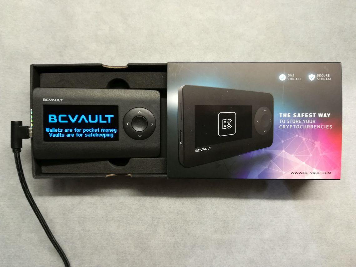 Bitcoin Wallet Review: BC Vault Throws Down the Gauntlet to Trezor