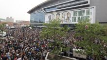 Milwaukee authorities link nearly 500 COVID-19 cases to crowds watching Bucks' title run