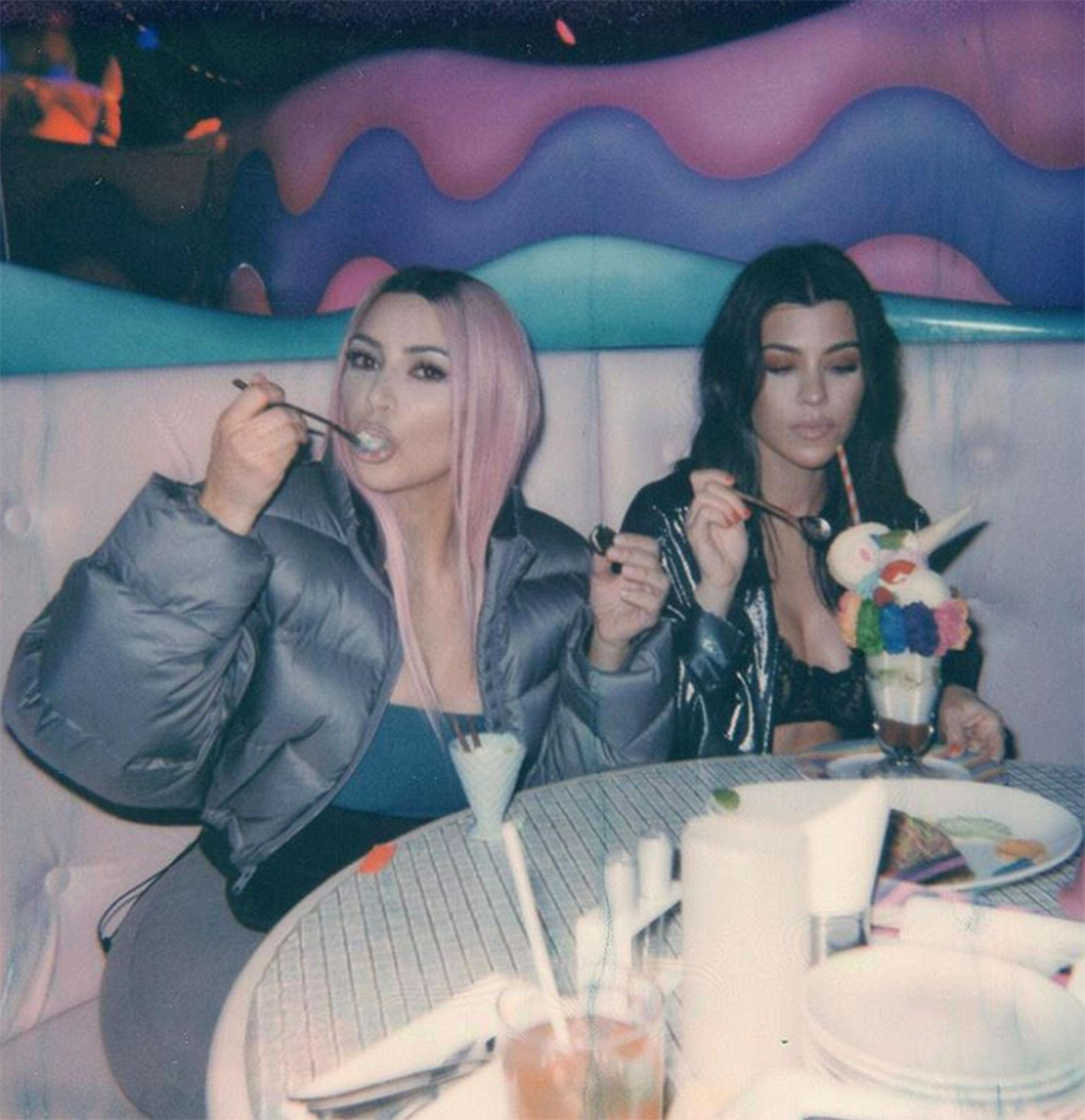 Wanna Be Kardashian Ͽ� Kourtney Ͽ� Midnight Cuddles Ͽ� Ͽ� I: Kim Kardashian 'Disgusted' With Kourtney And Khloé's Japan