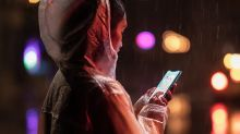How to Score a Cheap iPhone This Holiday Season