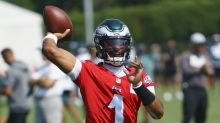 Hurts shrugs off chatter about Eagles pursuing Watson