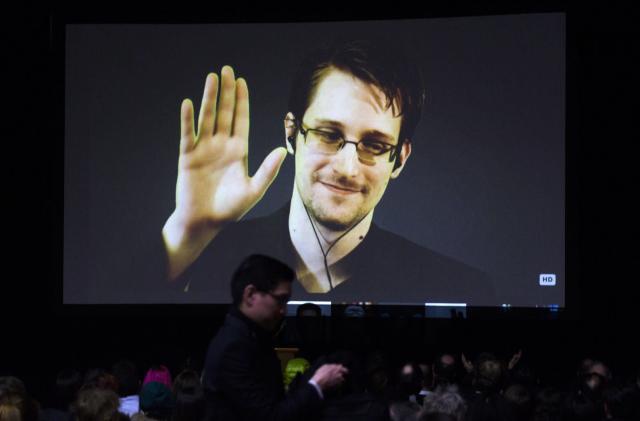 Edward Snowden explains why Obama should pardon him
