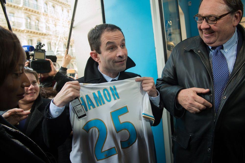 Benoît Hamon est supporter de l'OM et pour le retour de Benzema