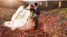 Ils se sont mariés 120 mètres au-dessus du vide, et leurs photos de mariage risquent de vous donner le vertige