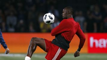 Bolt agrees to play pro soccer in Australia