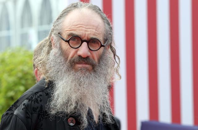 Director Tony Kaye puts out a casting call for robots
