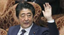 Abe calla ante reporte de que nominó a Trump al Nobel