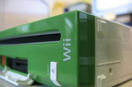 Wii developer kit shot in the wild, many Luigi-green with envy