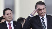 """Mourão pede paz para Bolsonaro governar e diz: """"se não funcionar, ele irá para o lixo da história"""""""
