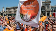 "De Corato: ""Gilet arancioni multati perché Carc no?"""