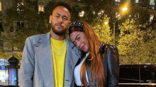 Ao lado de Neymar, Rafaella circula por Paris com bolsa de quase R$ 15 mil