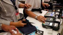 BC reduz custo do cartão de débito para comércio e avalia mesma medida para cartão de crédito