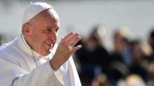 Nova encíclica do papa Francisco é criticada 'por excluir mulheres'