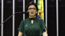 Deputada do PSL alega ter sido ameaçada por ministro denunciado e quer deixar sigla