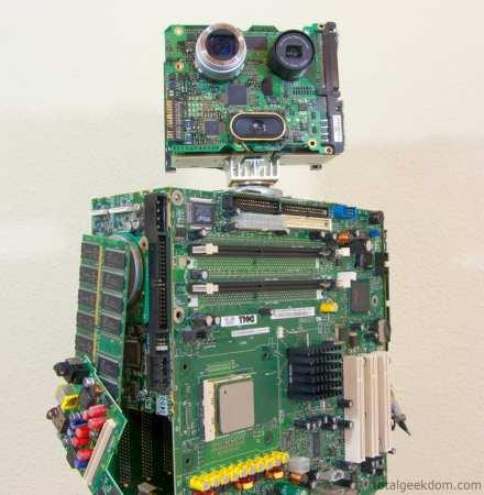 Visualized: awesome, non-functioning 'robot' made from worthless computer parts