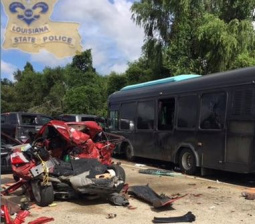 Two dead, 41 hurt in bus crash involving Louisiana flood: relief volunteers