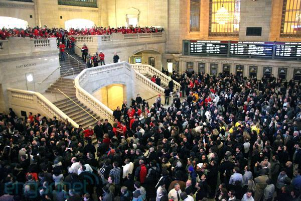 Apple just arrived at Grand Central Terminal, we hop aboard (video)