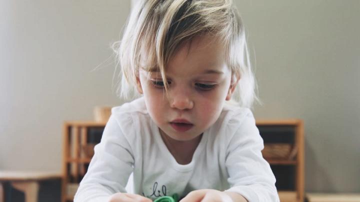 In che modo insegnare ai più piccoli a essere autonomi?