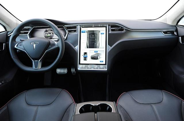 Any Tesla will soon pull your personal settings from the cloud