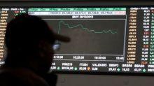 Bovespa recua cerca de 1% pressionada por cenário global adverso