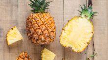 Ananas essen: Mit diesem Trick geht es einfacher