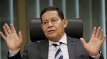 """Um novo imposto """"baixo"""" e vinculado a renda mínima e desonerações poderia prosperar no Congresso, diz Mourão"""