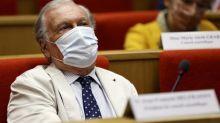 """Covid-19: Covid-19 : le Conseil scientifique estime """"autour de 100 000"""" le nombre de nouvelles contaminations par jour, soit le double du nombre de cas recensés"""