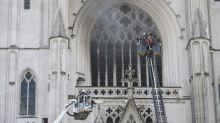 """""""Une épaisseur monstrueuse de flammes qui sortaient du vitrail explosé"""", raconte un témoin de l'incendie de la cathédrale de Nantes"""