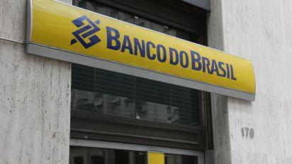 Governo negocia com bancos devolução de R$ 20 bi