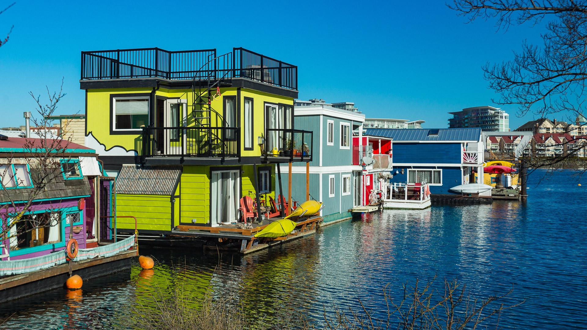 When A Houseboat Is The Best Real Estate Investment You Should Make