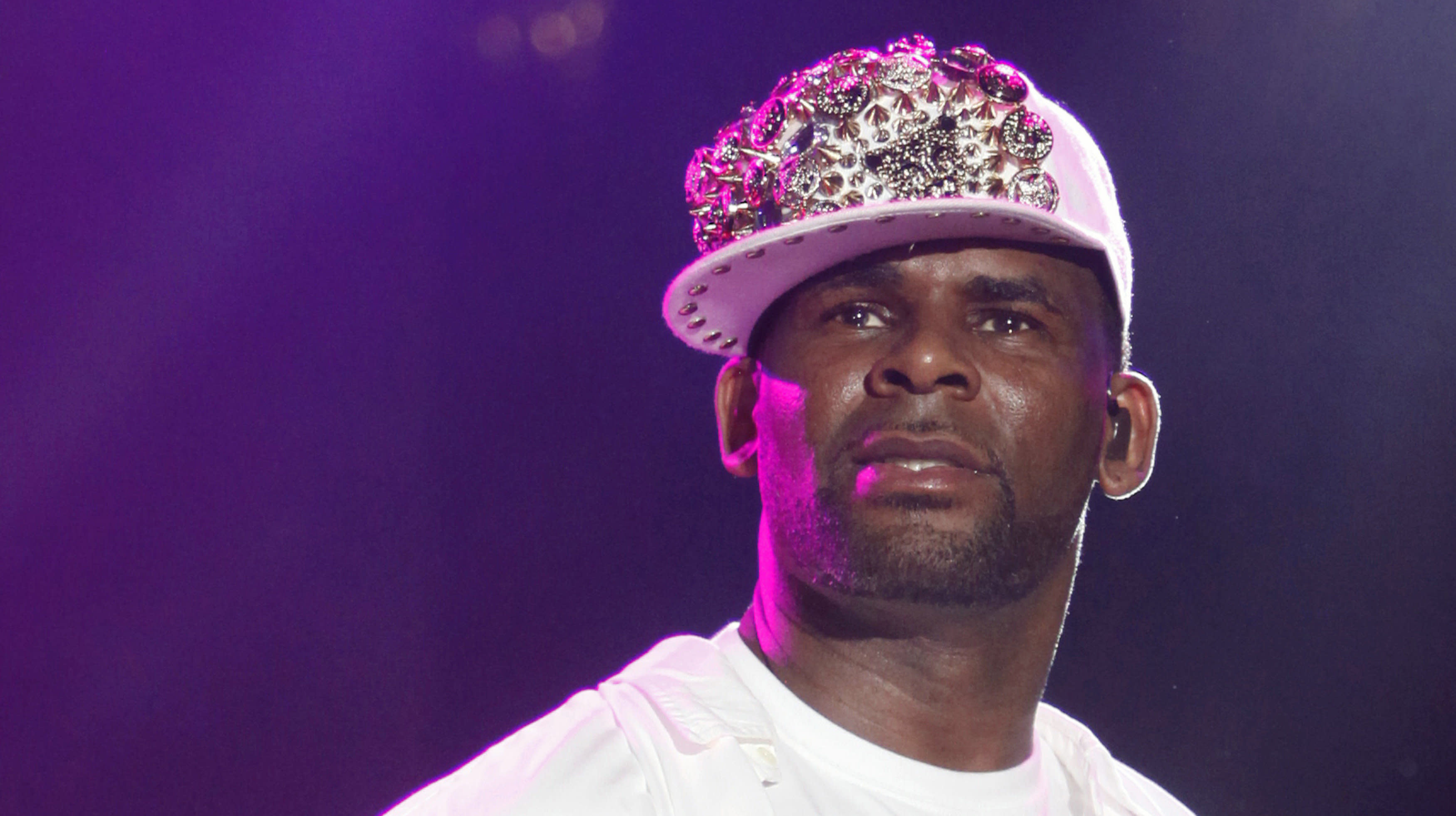 R. Kelly's Lawyer, Publicist And Assistant Flee From Singer Amid Scandals