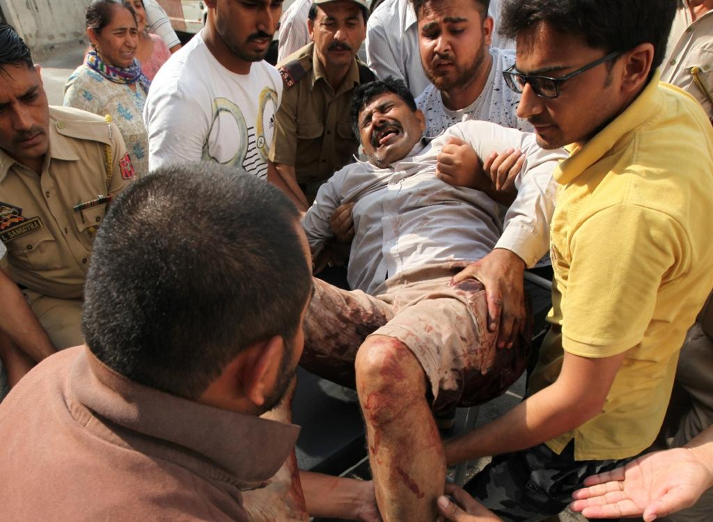 Two soldiers have died and seven civilians have been injured in the latest Kashmir violence